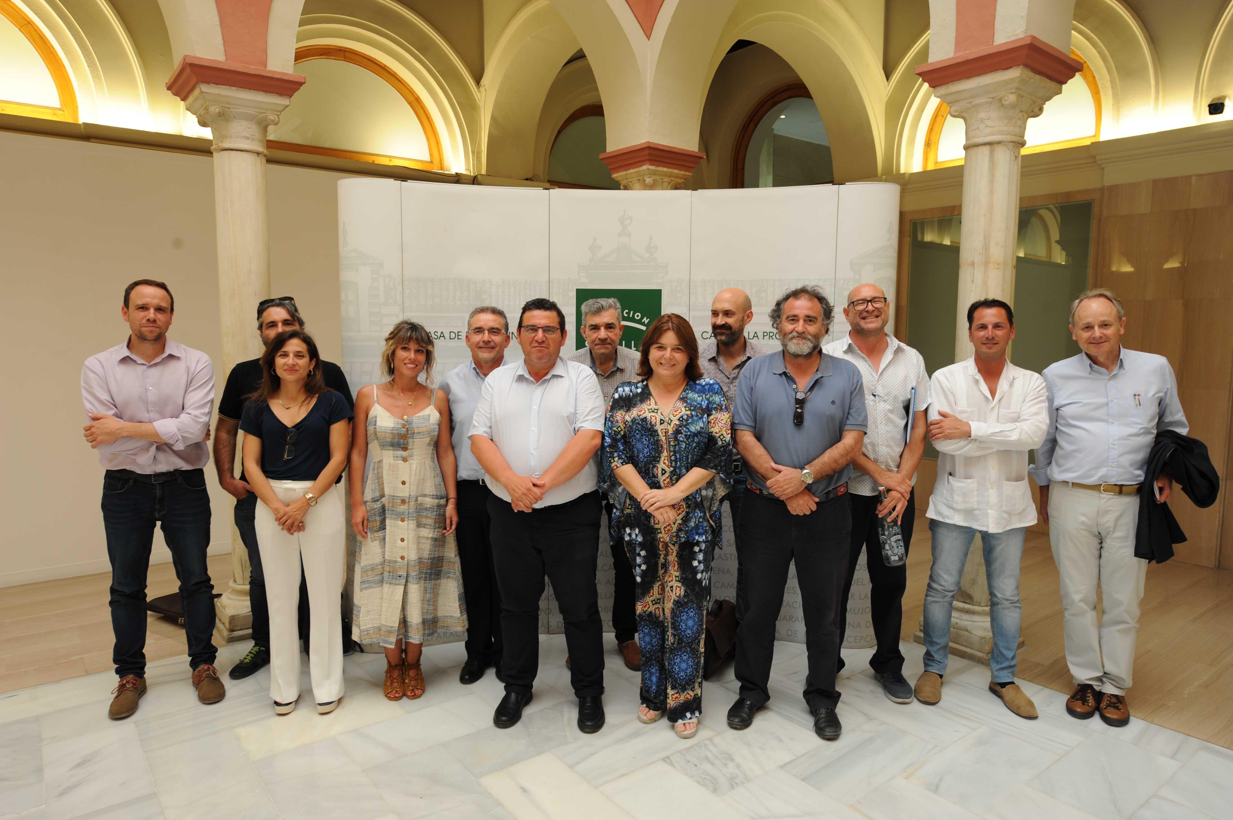 La Asamblea General de AEOPAS aprueba el plan de acción de la entidad en una sesión celebrada en la Casa de la Provincia