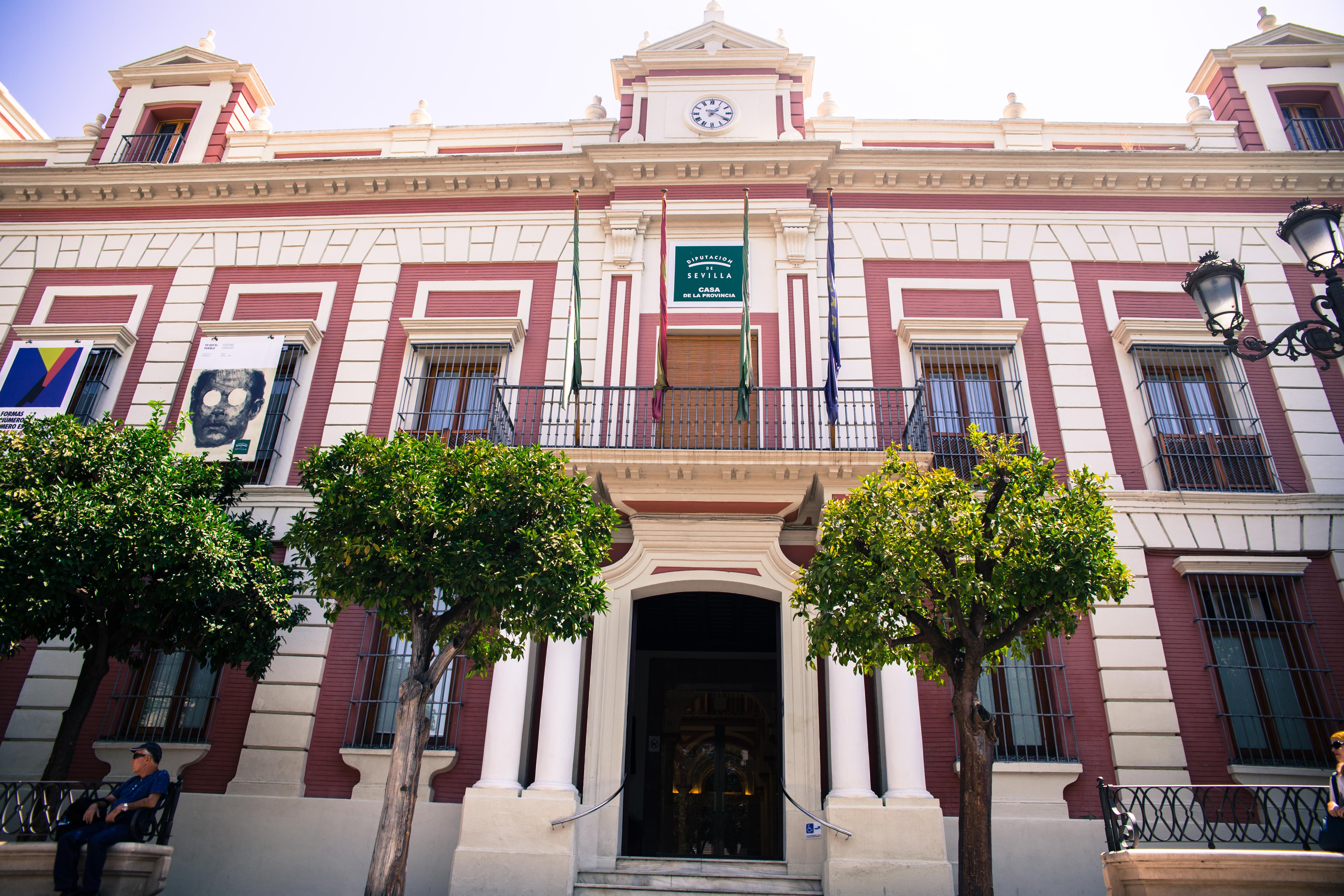 Los archiveros de andaluc a eligen la casa de la provincia for Casas baratas en sevilla y provincia